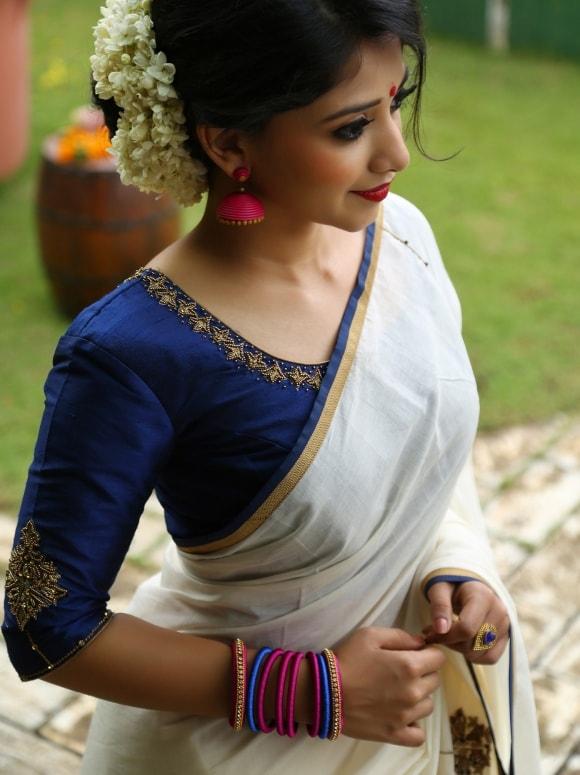 white handloom saree from laksyah 2-min