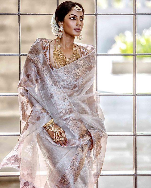 Actress Shriya Reddy in Silk Kota Saree from Rehane